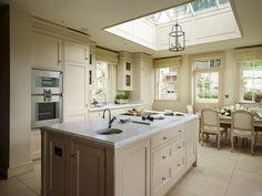 Elegant hand-painted kitchen  | Woodstock Furniture