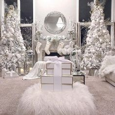 100 White Christmas Decor Ideas Which are Effortlessly Elegant & Luxurious - Hike n Dip - - Here are best White Christmas Decor ideas. From White Christmas Tree decor to Table top trees to Alternative trees to Christmas home decor in White & Silver. Luxury Christmas Decor, Silver Christmas Decorations, White Christmas Trees, Winter Wonderland Christmas, Christmas Room, Noel Christmas, Pink Christmas, Beautiful Christmas, Christmas Themes
