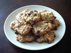 My best gluten free, protein packed cookies. Two ripe bananas, two beaten eggs, 1 1/2 cup gluten free oats, 1 cup peanut butter, 1/2 cup gluten free crispie rice cereal, half cup sweetened coconut, half cup chocolate chips and two scoops of vanilla protein. Cook for 12 to 15 min at 350 'C.