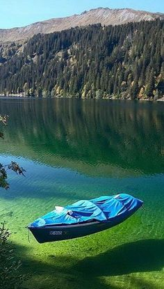 The crystal-clear waters of Flathead Lake, Montana.