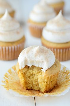 Pumpkin Maple Cupcak Pumpkin Maple Cupcakes With Cinnamon Cream Cheese Frosting recipe and other Halloween cupcake recipe Ideas for a sweet start to fall. Maple Cupcakes, Yummy Cupcakes, Pumpkin Cupcakes, Cinnamon Cupcakes, Spice Cupcakes, Spice Cake, Cupcake Recipes, Cupcake Cakes, Dessert Recipes