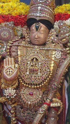 Indian Goddess, Goddess Lakshmi, Kali Mata, Indian Idol, Lord Balaji, Tanjore Painting, Lord Vishnu, Jewellery Sketches, God Pictures