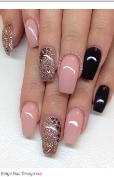 18 Beige Nails for Your Next Manicure Have you ever experienced with a manicure in beige? You should try to paint beige nails right away. Beige is a color which is between nude. Get Nails, Fancy Nails, Love Nails, Hair And Nails, Pink Nail Art, Pink Nails, Glitter Nails, Sparkly Nails, Matte Pink