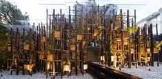 Progettata da Vo Trong Nghia Architects a Sydney, Green Ladder è un assemblaggio…