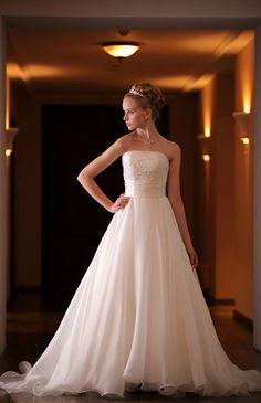 I'm super Wedding  (Bride Beauty)