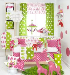 Jungle themes aren't just for boys! Look how adorable this baby bedding set is!?