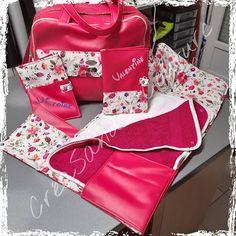 CréaSand'C Couture sur Instagram: Pas beaucoup présente ces derniers temps mais pas mal de projets réalisés, dont un kit de naissance pour des futures jumelles qui arrivent…