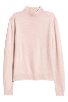 Cashmere jumper with a stand-up collar, long sleeves and ribbing at the cuffs and hem.