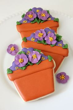 Potted Violet Cookies via CraftGossip.com - gorgeous!