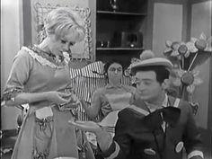 Marie Quat'Poches - Le pique nique Bd Comics, Old Tv Shows, Classic Tv, Old Toys, Quat, Early Childhood, Vintage Toys, Favorite Tv Shows, Memories