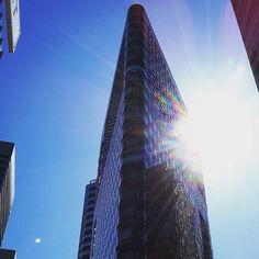 #sanfrancisco #marketstreet #sky #sun #skyscraper by simdip79