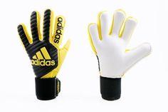 Guantes Adidas Classic Pro Goalie Gloves, Football Gloves, Adidas, Sega Saturn, Goalkeeper, Soccer, Tattoo, Gloves, Football Cleats