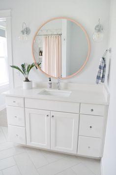 Mirror for bathtub- round? Upstairs Bathrooms, Girly Bathroom, Bathroom Makeover, Girls Bathroom, Girl Bathrooms, Bathroom Interior, Girl Bathroom Decor, Bathroom Design Luxury, Bathroom Decor