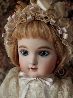 Eden bebe.Antique doll reproduction by Hiroko Saito.