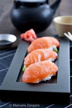 How to make your own Salmon Nigiri, sushi rice included!
