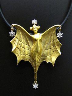 Jugendstil Anhänger/Brosche mit Diamanten, Frankreich um 1900, 18 Karat Gelbgold
