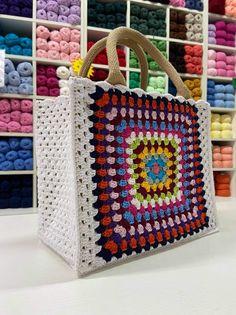 Crochet Handbags, Crochet Purses, Knit Crochet, Crochet Hats, Crochet Market Bag, Crochet Curtains, T Shirt Yarn, Knitted Bags, Diy And Crafts