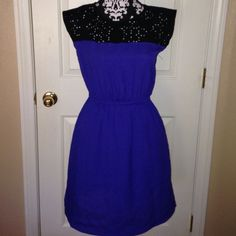Navy Blue Short Dress pretty navy blue and black short dress. Used but in excellent condition Dresses