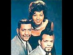 ▶ The Sapphires - Who Do You Love - YouTube