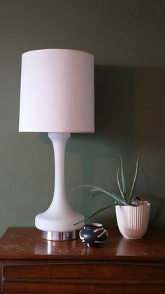 Mid century classic table lamp from Laurel with a harp, ready for your lamp shade.