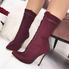 7 Wonderful Useful Ideas: Early Fall Shoes shoes booties how to crochet.Casual Shoes New Balance shoes vintage metropolitan museum. High Heel Boots, Heeled Boots, Bootie Boots, Shoe Boots, High Heels, Ankle Booties, Shoes Heels Wedges, Wedge Shoes, Shoes Sneakers