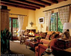 Santa Fe Has It S Own Decorating Style Love This Shade Of Yellow