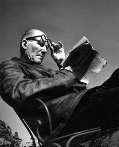 Robert Doisneau - Le Corbusier  1945