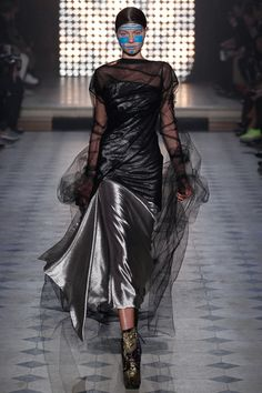 Vivienne Westwood | Fall 2014 Ready-to-Wear Collection | Style.com Please like http://www.facebook.com/RagDollMagazine and follow @RagDollMagBlog @priscillacita