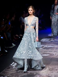40 Flawless Summer Outfits That Always Looks Fantastic Gypsy Fashion, Couture Fashion, Runway Fashion, Fashion Show, Gucci Fashion, Fashion Goth, High Fashion, Couture Dresses, Fashion Dresses