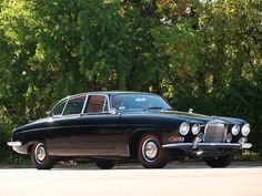 Jaguar MK X- ​one of the better looking Jaguar sedans