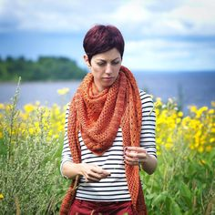 Orange shawl to match my new red hair. #Campsideshawl by Alicia Plummer, with #Madelinetosh DK in Terra. Photo by @u269c
