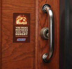 Snickers marketing campaign across New York: finding all the fails across the city and placing stickers next to them that read 'You make mistakes when you're hungry'. What kind of fails? New Funny Pics, Funny Pictures, Snickers Ad, Tastefully Offensive, Street Marketing, Guerrilla Marketing, Marketing Ideas, You Had One Job, Creative Review
