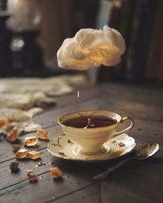 Daria Khoroshavina makes stunning and stylish moving images. Source by mossandfog beautiful gif Gif Café, Coffee Love, Coffee Art, Coffee Shop, Coffee Break, Coffee Photography, Food Photography, Slow Motion Photography, Portrait Photography