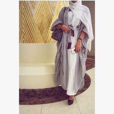 Hijabi style Hajib Fashion, Abaya Fashion, Modest Fashion, Minimal Fashion, Fashion Outfits, Fashion Design, Modest Wear, Modest Dresses, Modest Outfits