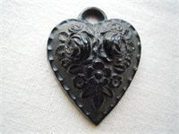 VICTORIAN JET HEART PENDANT - £75 : Date of Manufacture: c 1880 ; Place of Manufacture: England; Material: Jet;  Condition: Good Price: £75.00 Stock#12/79