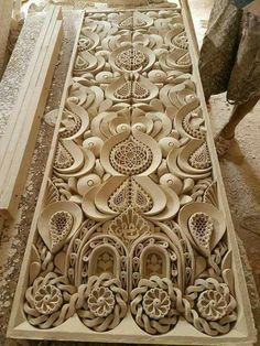 الجبس Wood Carving Designs, Wood Carving Art, Wood Art, Wooden Door Design, Wooden Doors, Wood Design, Woodworking Workbench, Woodworking Furniture, Double Door Design