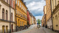 narrow-street--old-town-gamla-stan-stockholm-sweden.jpg (1920×1080)