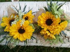 Great burlap wrist corsages for the mothers and grandmothers! Hand Pickd Floral http://www.bridemeetswedding.com/hand-pickd.html