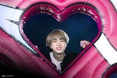 """thread of seokjin photos that make me instinctively just want to unhinge my jaw and swallow him whole"" Seokjin, Kim Namjoon, Hoseok, Jimin, Bts Jin, Foto Bts, K Pop, Banda Kpop, Taehyung"