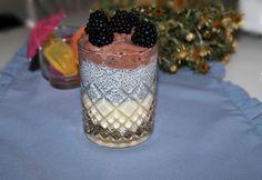 Chiamagos-tejszínes-csokoládés pohárkrém Blackberry, Mousse, Fruit, Food, Essen, Blackberries, Meals, Yemek, Rich Brunette