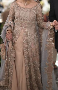 Pakistani Bridal Dresses, Pakistani Wedding Dresses, Dress Wedding, Wedding Ring, Party Wear Dresses, Party Dress, Pakistan Bride, Walima Dress, Indian Fashion Dresses