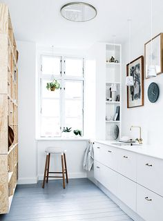 """Wow, thanks @nzdesignblog for saying """"Inside Out continues to make me jealous with the best interior design in Australasia!"""" Styling by Mette Helena Rasmussen. Photography by Tia Borgsmidt. Available from newsagents, Zinio, http://www.zinio.com, Google Play, https://play.google.com/store/magazines/details/Inside_Out?id=CAowu8qZAQ, Apple's Newsstand, https://itunes.apple.com/au/app/inside-out/id604734331?mt=8ign-mpt=uo%3D4 and Nook."""