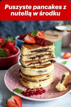 pancakes z nutellą Healthy Breakfast Menu, Homemade Breakfast, Delicious Breakfast Recipes, Healthy Recipes, Pancakes Nutella, Natural Yogurt, Food Porn, Good Food, Eat