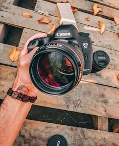 What do you think of the Canon (Mounted on the Canon mark iii Photo by —————————————————————… Photography Cheat Sheets, World Photography, Photography Camera, Photography Tips, Landscape Photography, Canon Kamera, Canon 700d, Canon Eos, Camera Wallpaper