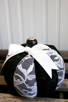 Black and White Glam Pumpkin Halloween Sewing, Fall Sewing, Halloween Crafts, Holiday Crafts, Halloween Stuff, Halloween Pumpkins, Halloween Ideas, Christmas Gifts, Velvet Pumpkins