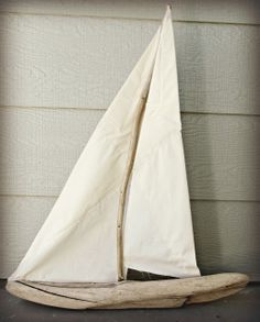 DIY Love this, Going to make this week!The Wicker House: Driftwood Sailboat Driftwood Projects, Driftwood Art, Coastal Homes, Coastal Decor, Coastal Living, Cool Ideas, Sea Crafts, Creation Deco, Beach Shack