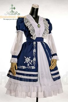 Lolita Princess in Country Xanadu:Tiered Pin-tuck Dress (The other colours are gorgeous as well >w<)