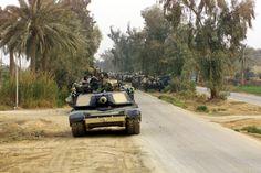 USMC Abrams of C Company, Tank Battalion, near the town of Salman Pak, during the invasion of Iraq. M1 Abrams, Iraq War, Armored Vehicles, Usmc, Military Vehicles, World War, Tanks, History, American