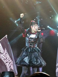 2016.04.02 - BABYMETAL fan photos at Wembley Arena 2 - Imgur