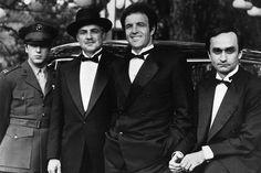 """Bastidores """"The Godfather"""" - Al Pacino (Michael), Marlon Brando (Don Vito), James Caan (Sonny) e John Cazale (Fredo)                                                                                                                                                                                 Mais"""